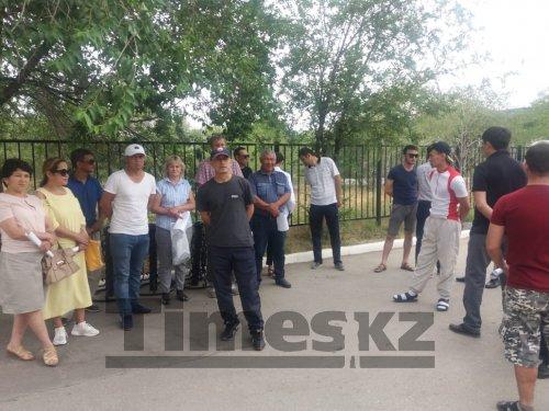 В отпуск без содержания на неопределенный срок отправлены 150 рабочих актюбинского предприятия