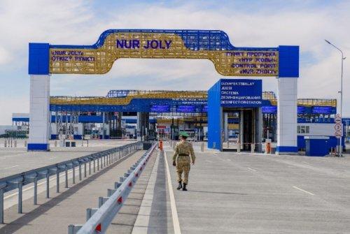Из Китая в РК пытались завезти 39 грузовиков с фальшивыми документами