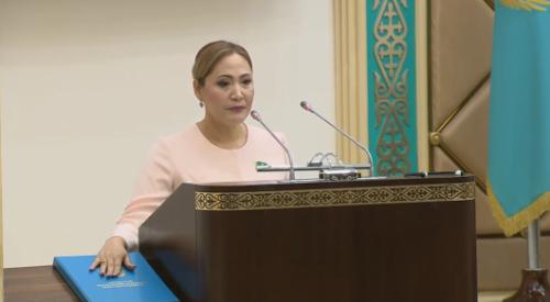 Красивая женщина - Дарига Назарбаева поздравила нового сенатора