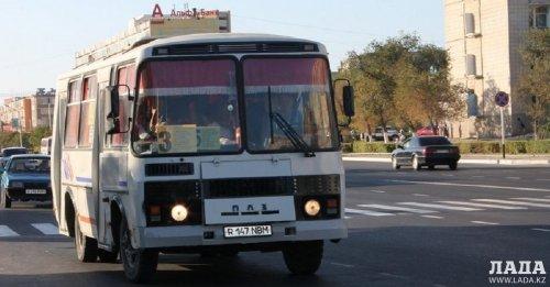 В Актау перевозчики намерены отменить бесплатный проезд для льготников