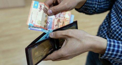 Вице-министр труда озвучил размер зарплаты казахстанских рабочих на Тенгизе