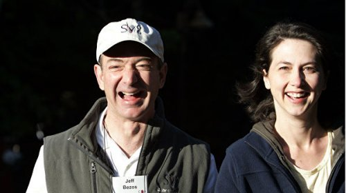 Глава Amazon Джефф Безос развелся с женой