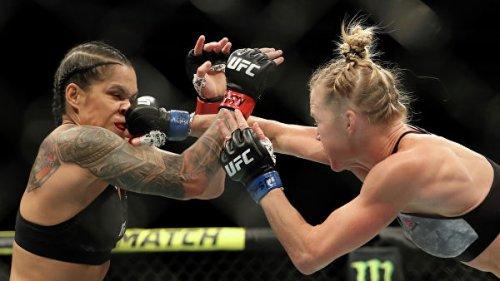 Страшная сила: Нуньес чуть не снесла голову сопернице на турнире UFC