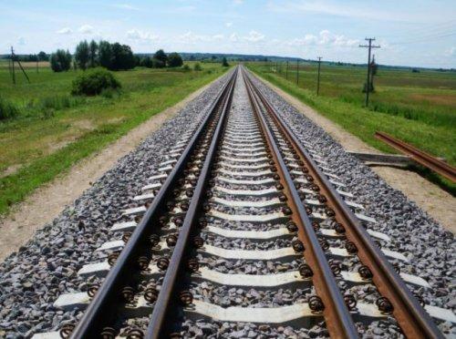 Мужчину сбил локомотив в Костанайской области