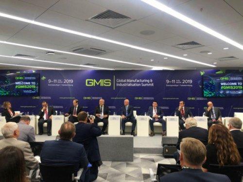 Роман Скляр: Казахстан планомерно отходит от доминирования сырьевого сектора
