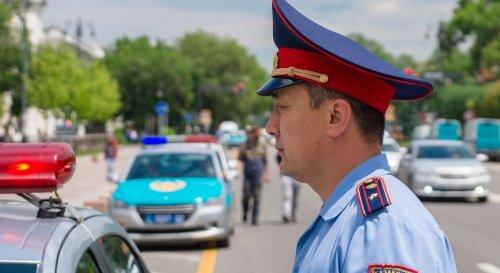 """Полиция Алматы  проверяет """"подозрительных людей"""""""