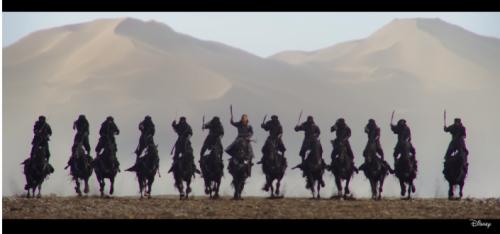 """В новом фильме Disney """"Мулан"""" все трюки на лошадях исполнили  казахи"""