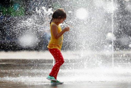 Как вести себя в жаркую погоду, рассказали специалисты