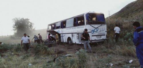 Кровь и крики. Что творилось в перевернувшемся автобусе, ехавшем на Алаколь