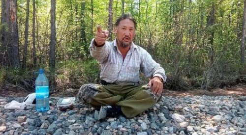 """Якутский шаман идет в Москву, чтобы """"изгнать Путина"""""""