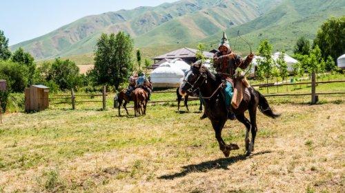 Почему казахские батыры носили кольца на большом пальце