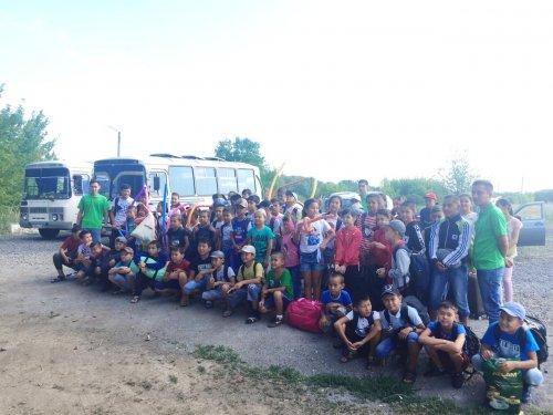 200 детей из города Арысь прибыли на отдых в Актобе