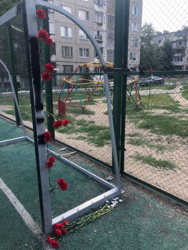 «Что же это происходит?! Даже не с кого спросить!» - аким Костаная о гибели школьника, которого придавило футбольными воротами.
