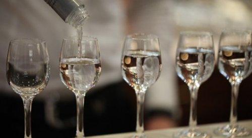 Замакима района уволили за посиделки с алкоголем в Павлодарской области