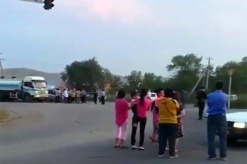 Устькаменогорцы перекрыли движение из-за отключения электричества