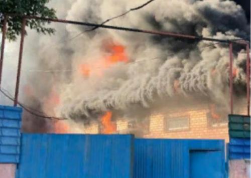 Пожар на складском помещении в Алматы локализован