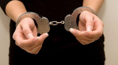 Женщина пыталась дать взятку прокурору в Шымкенте