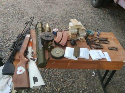 Грузовик с оружием задержали на казахстанско-российской границе
