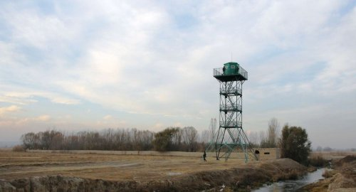 На кыргызско-таджикской границе применили оружие, есть раненые
