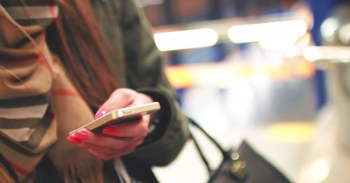 """Любителей """"старить"""" фото предупредили об опасных подделках FaceApp"""