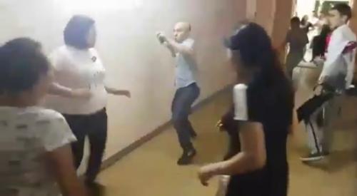 Драка на пресс-конференции в Алматы: Участник потасовки извинился, что бил женщин