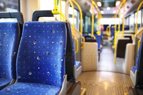 Кондуктора и пожилую пассажирку в Атырау оштрафовали за стычку в автобусе