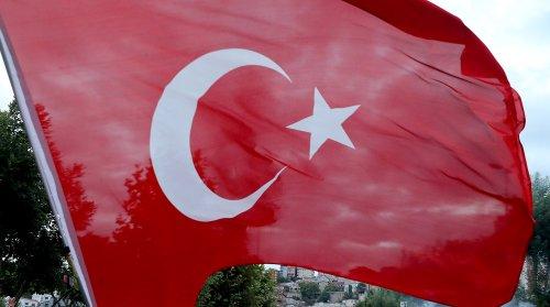 Неизвестный выстрелил в белорусского дипломата в Турции
