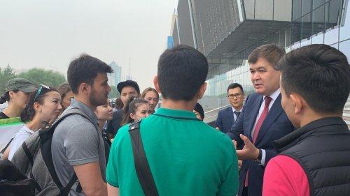 Скандал вокруг двух медицинских вузов разгорелся в Казахстане