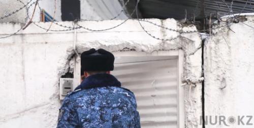 Пятеро сотрудников колонии задержаны после видео с пытками в Алматинской области