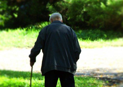 В ВКО 69-летнего пенсионера увезли неизвестные, чтобы оформить на него  кредит