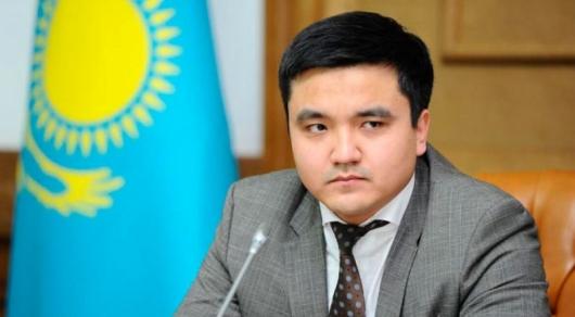 Сагинтаеву пожаловались на зевающего акима
