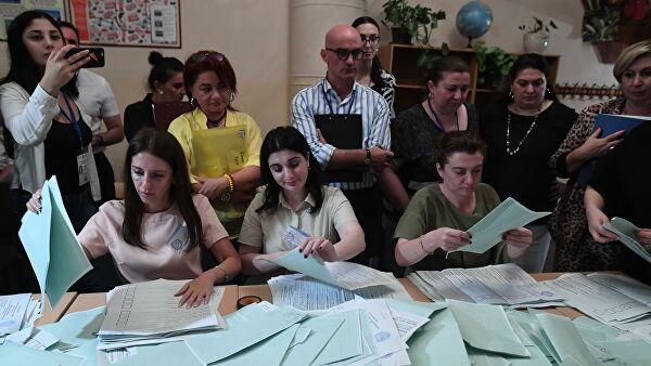 Трое лидеров на выборах президента Абхазии идут вровень