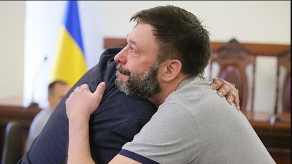 """""""Обвинения надо снять"""": как в мире отреагировали на освобождение Вышинского"""