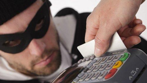 Мошенники вынудили пенсионера взять займ в банке