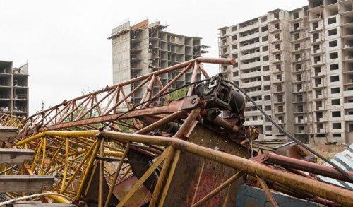 Правила безопасности на стройках Нур-Султана ужесточат после падения башенного крана