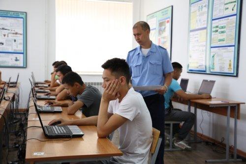 Более трехсот казахстанцев мечтают стать военными летчиками