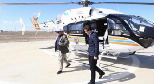 Фото акима Актюбинской области у вертолета обсуждают в Сети