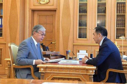 Президент РК поручил акиму Алматы улучшить инфраструктуру города