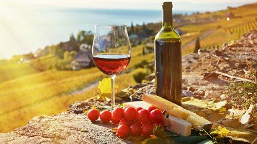 Кардиохирург рассказал, что будет при ежедневном употреблении бокала вина