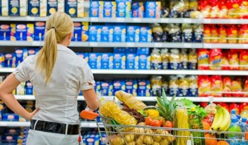 Около 30 тонн опасных продуктов изъяли с прилавков казахстанских магазинов