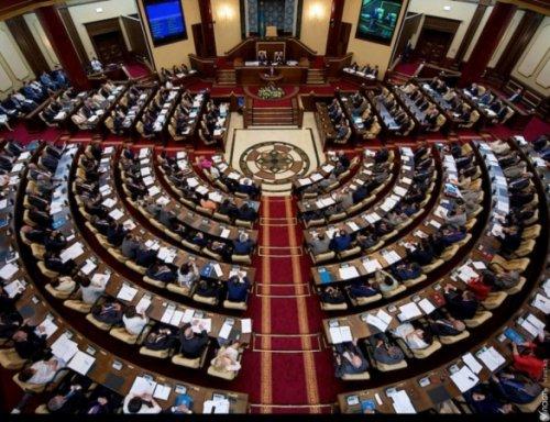 Стоит ли ждать досрочных парламентских выборов в РК – политолог