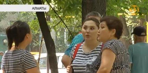 """""""Постоянно стоны и звуки"""": жители Алматы пожаловались на притон в собственном доме"""