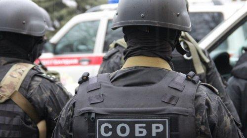 Любит строить бани. Бойцы СОБР Алматинской области пожаловались на начальника