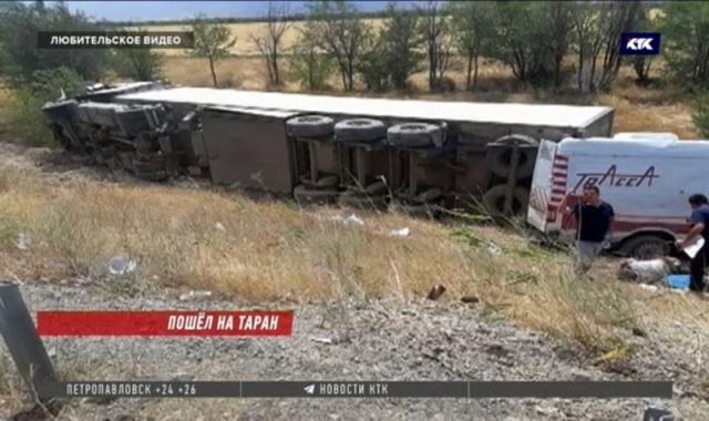 КамАЗ протаранил машину дорожной лаборатории, погибли три сотрудника