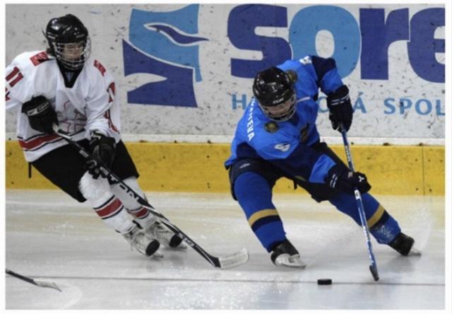 В НХЛ впервые в истории появилась хоккеистка из Казахстана