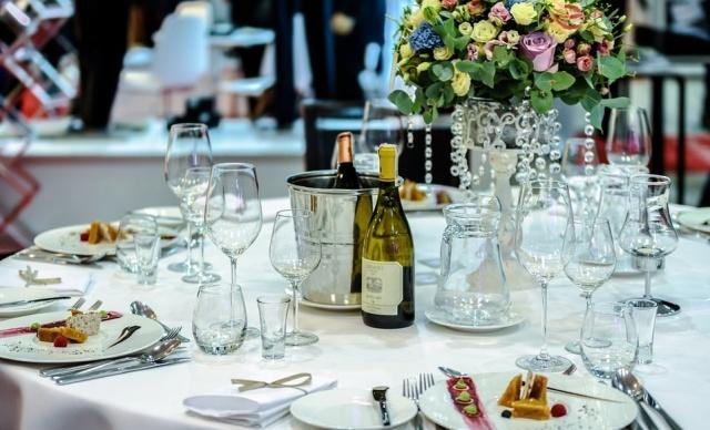 Как заставить гостей вовремя приходить на свадьбу, придумал казахстанец