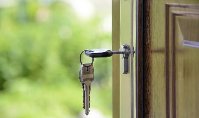 Что выгоднее: брать ипотеку или копить самому?