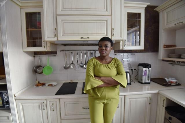 Африканку с дочкой-казашкой могут депортировать из Казахстана