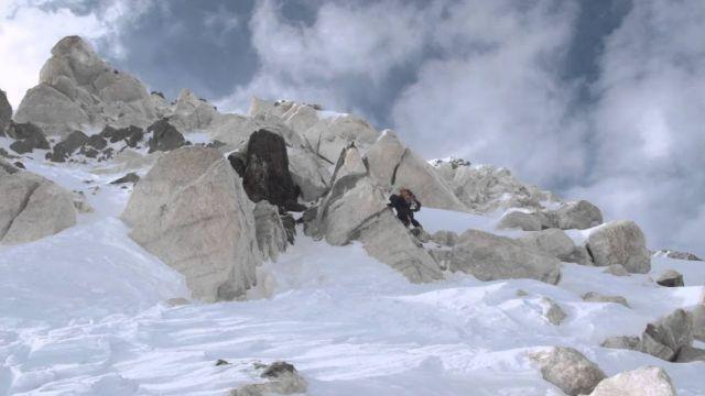 Спасение  альпинистов на Пике Победы. Пилоты назвали поиски самыми сложными и опасными