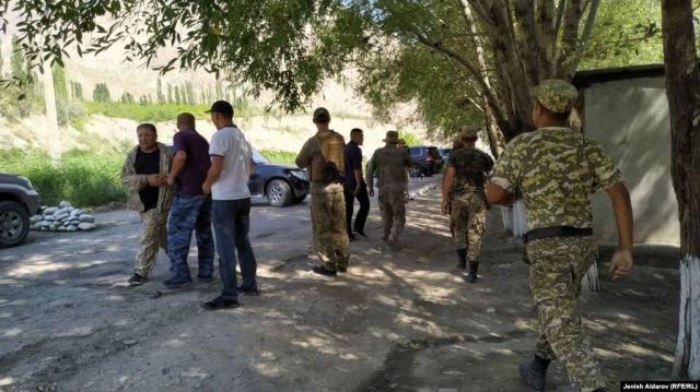 В ходе конфликта на кыргызско-таджикской границе пострадали два человека